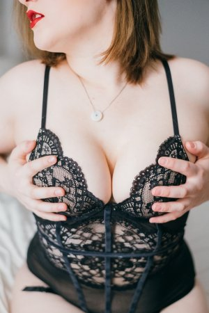 Lutecia live escort in Norfolk